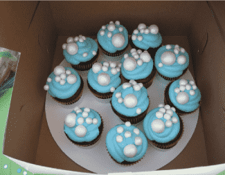 bubbles birthday party cupcakes